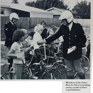 bike-police-kids