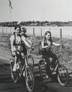 kids-riding